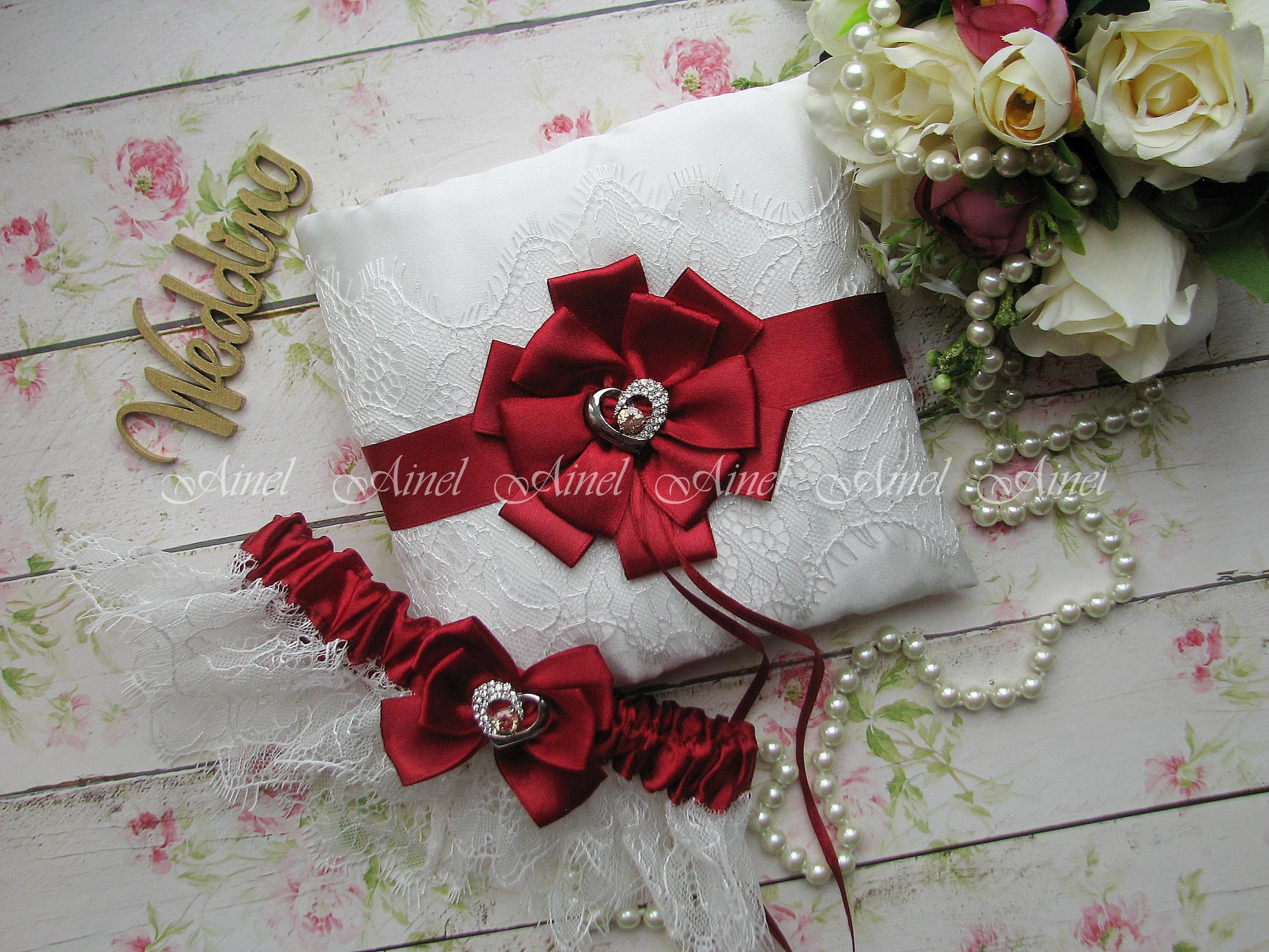"""Подвязка невесты свадебная и подушечка для колец """"Марго"""" кружевная бордовая"""