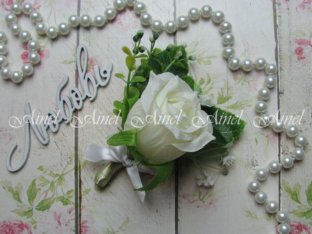 Бутоньерка свадебная для жениха №1 белая роза