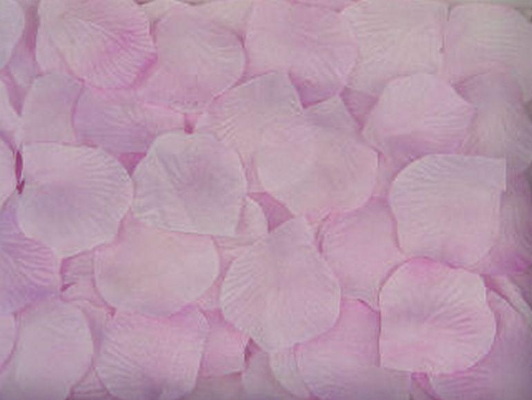 Искусственные лепестки роз из ткани Светло-сиреневые 300 шт