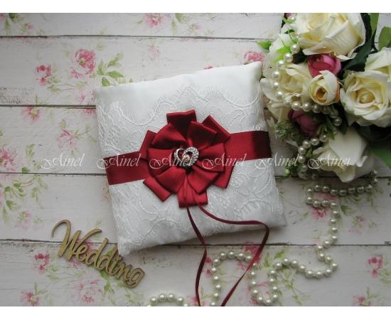 Свадебная подушечка для обручальных колец «Марго» бордовая