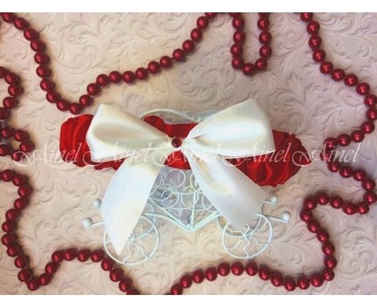 Подвязка невесты свадебная узкая красная с белым бантом