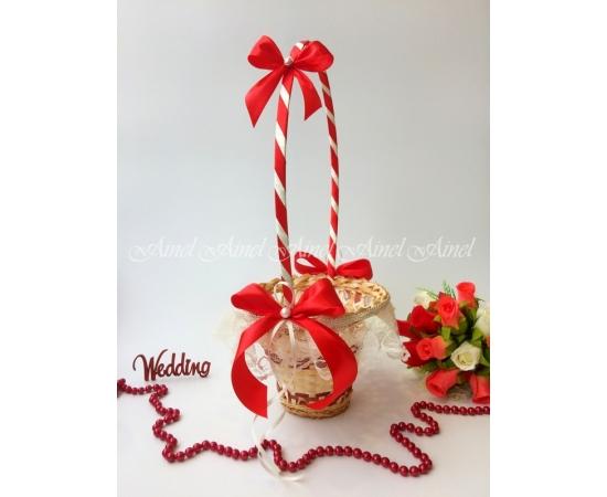 Корзина для лепестков роз №17 красная с кружевом Высокая