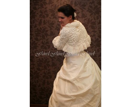 Шубка на свадьбу №3 для невесты напрокат