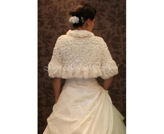 Шубка на свадьбу №3 для невесты в прокат