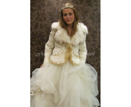 Шубка на свадьбу №40 для невесты напрокат