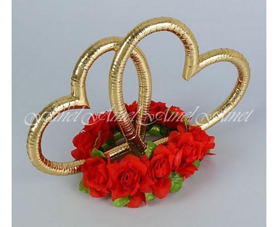 Сердца с красными розами