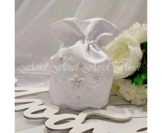 Сумочка-мешочек для невесты белая, цветок и стразы