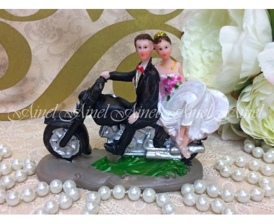 """Фигурка на торт """"Молодожены на мотоцикле"""""""